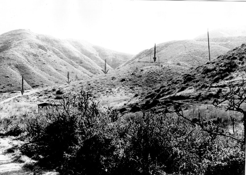 Stagecoach Road on the Conejo with arrows