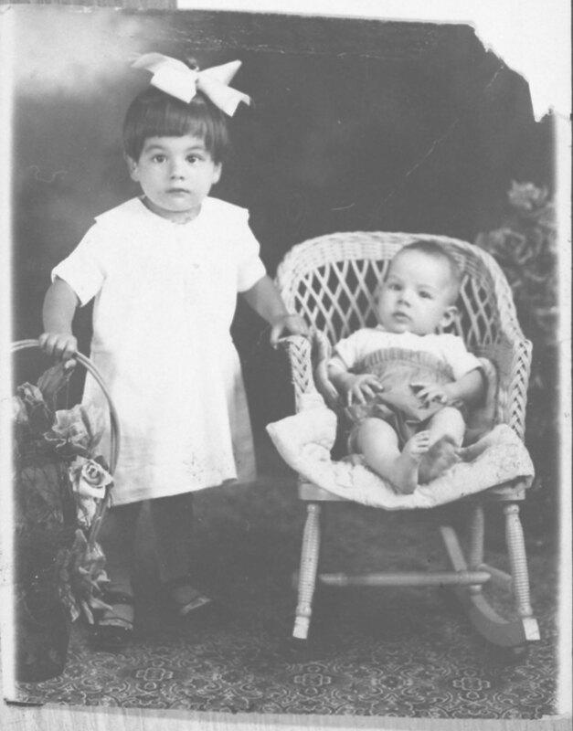 Emma and Berta Ordoñez, Child Portrait