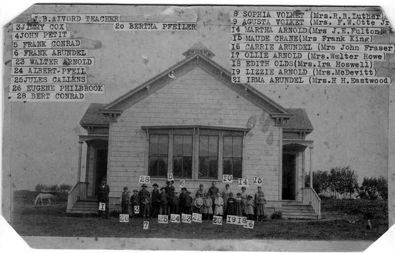 Group Photo Outside Oxnard Ocean View School black and white