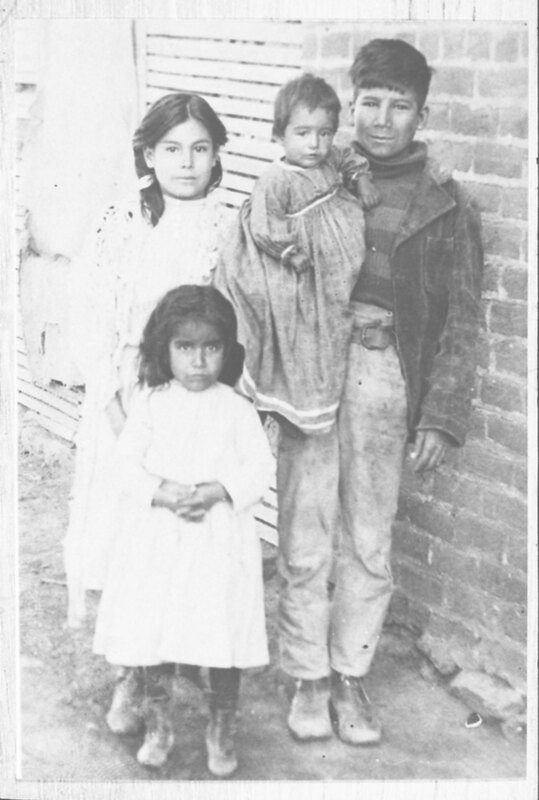 Trinidad and Adela Ordoñez With Two Children
