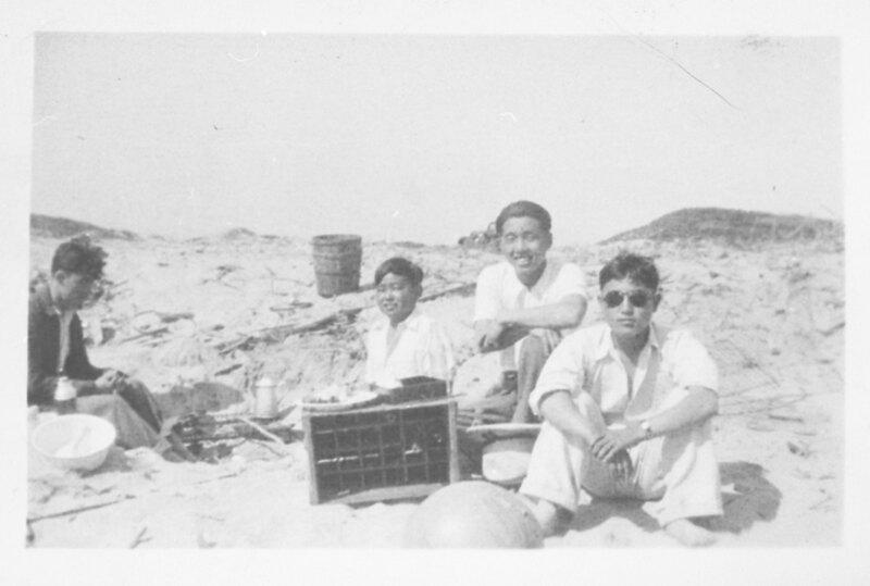 Yashiharu Inadomi and Friends on Beach