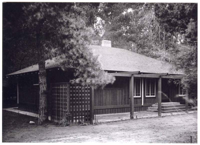 Bard family bungalow