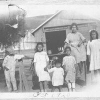 Sanchez and Saucedo Children at Pomatto Ranch