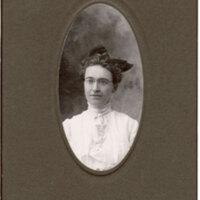 Grace Relyia, Oval Portrait