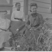 Janet Scott With Mother and Sister