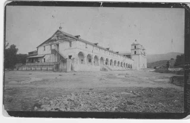 https://photographs.venturamuseum.org/files/original/b7273eb96ab3298d2c89b7fbcf2811a8.jpeg