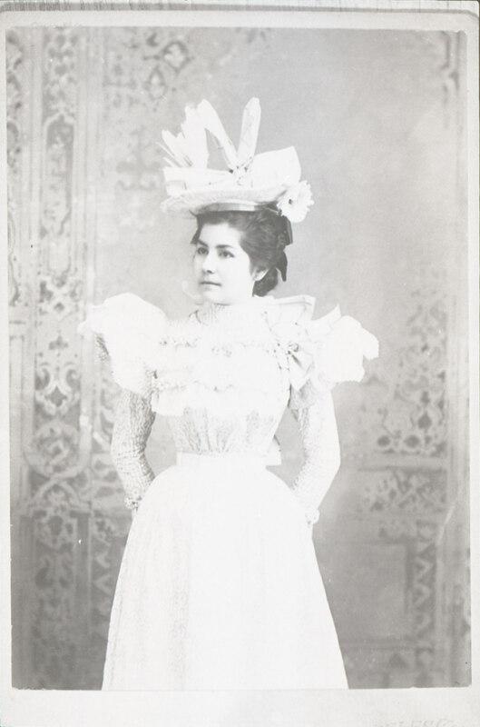 Lucy Ruiz - Victorian Dress