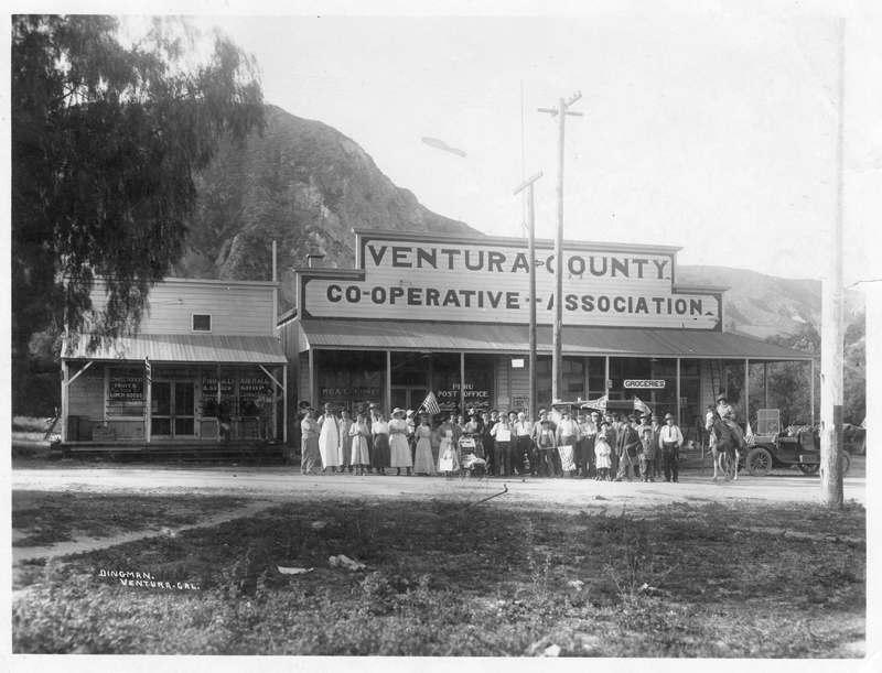 Citizens in Piru celebrating 4th of July circa 1910