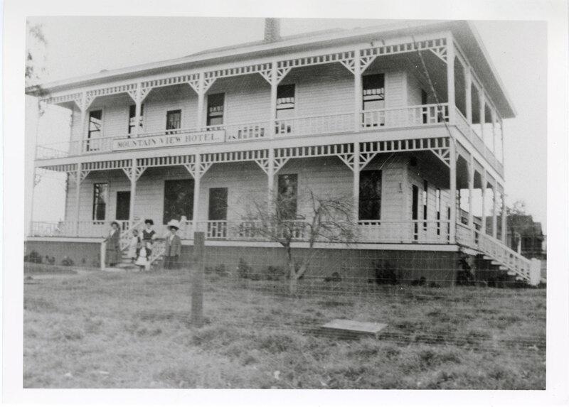 Mountain View Hotel, Piru, 1910