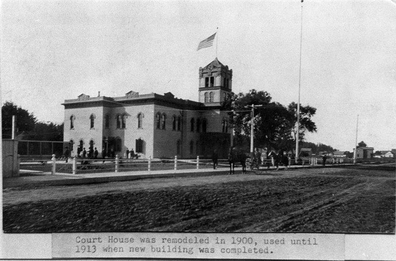 Exterior View of Court House on Santa Clara Street, Ventura