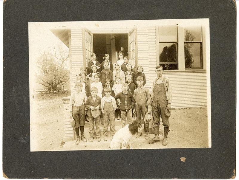 Mill School Group Photo, 1913