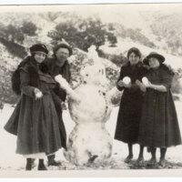 Making a Snowman in Ventura