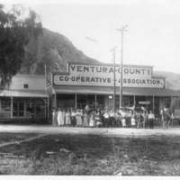 Citizens in Piru celebrating 4th of July circa 1910