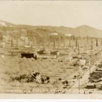 Avenue Oil Fields, Ventura, Calif. Post Card