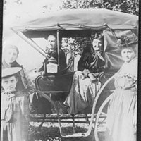 Eleanor Clover, Mrs. N.A.D. Taylor, Mrs. Blanch Comstock & Daughters