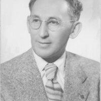 Max Riave, Bust Portrait